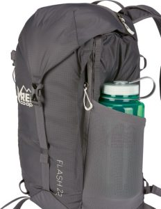 rei flash 22 water bottle pocket